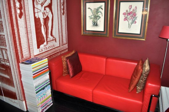 Boutique B&B Kamer01: Red Room Sitting Area 2