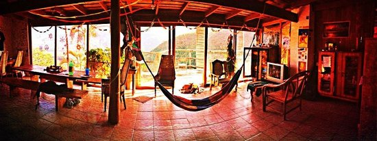 El Salto Ecolodge: Family style dinning room, hang out area.