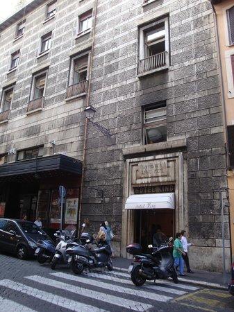 Hotel King, Rome: FRENTE DEL HOTEL