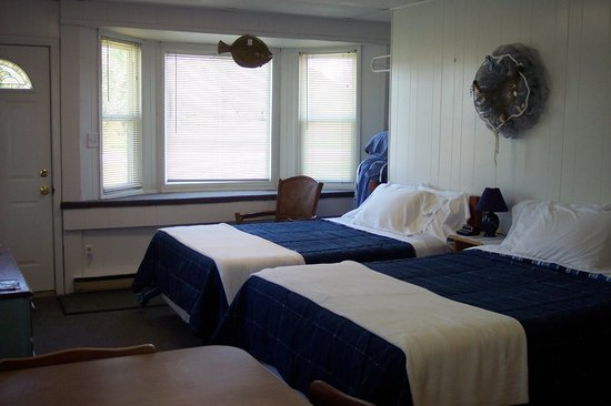Teaser's Fisherman's Lodge: Room 1