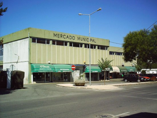 Mercado Municipal - カステロ・...