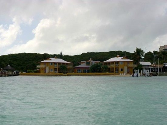Augusta Bay Bahamas: Hotel from boat in bay.