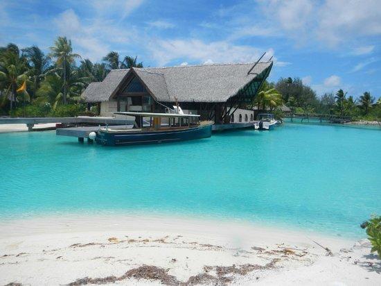 Four Seasons Resort Bora Bora: Lobbie del hotel