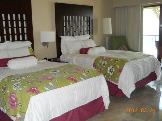 CasaMagna Marriott Puerto Vallarta Resort & Spa: la habitacion enfrente a la playa