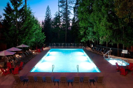 Evergreen Lodge at Yosemite: Swimming Pool & Hot Tub Area