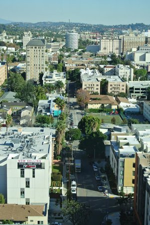 Loews Hollywood Hotel: Vue de la chambre