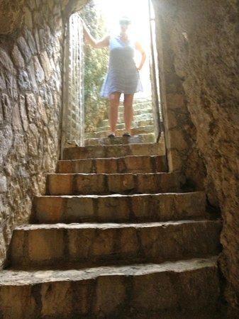 Villas Sur Mer: Stairway through the cave 