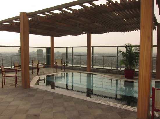 Fairmont Cairo, Nile City: Rooftop kids pool area, Fairmont Nile City - Cairo