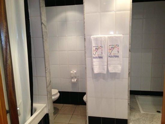 Hotel THe Fataga & Centro de Negocios: Baño