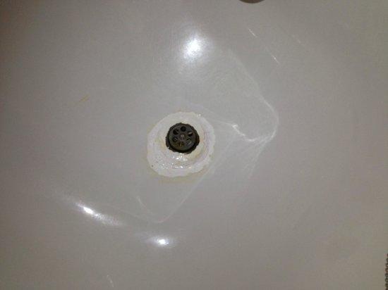 Hotel THe Fataga & Business Centre : Arreglo en la bañera