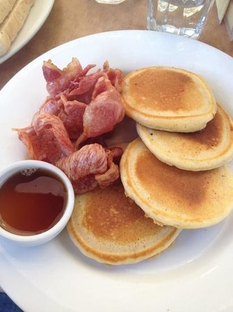 Driftin' Coffee Bar Restaurant: pancakes with bacon and maple syrup - less than $10 from memory