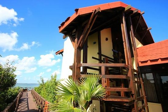 Villa Las Brujas: One of the bungalows at the west end of boardwalk.