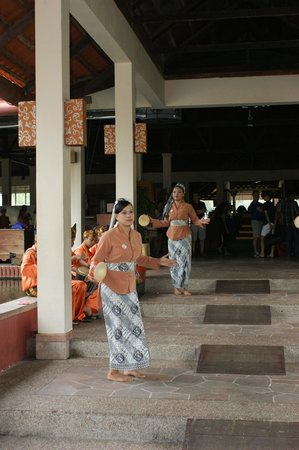 Nirwana Gardens - Nirwana Resort Hotel: Welcome Indonesian Dance