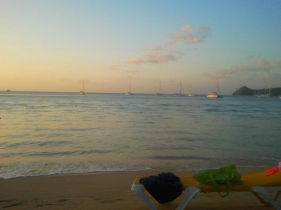 St. Lucian by Rex Resorts: Reduit beach -sunset