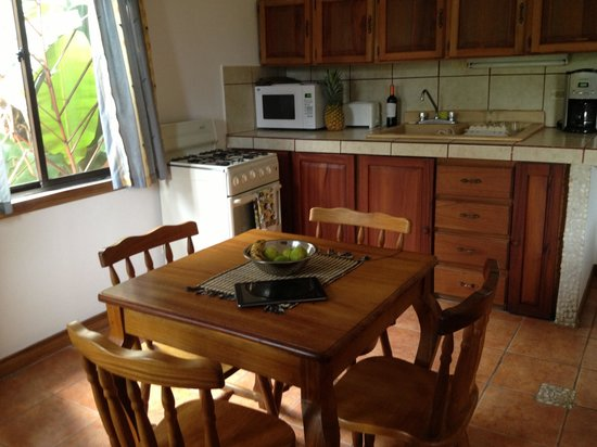 Manuel Antonio Estates: Kitchen