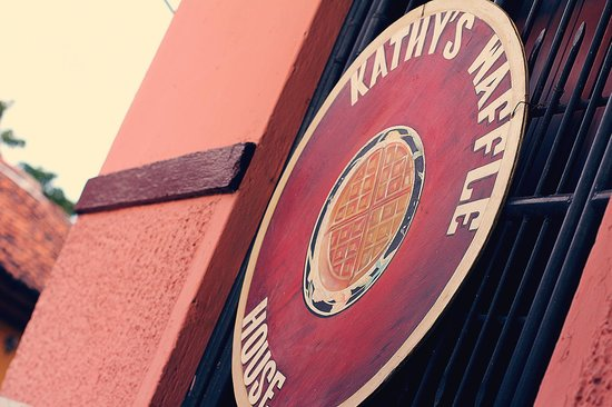 Kathy's Waffle House : Sign