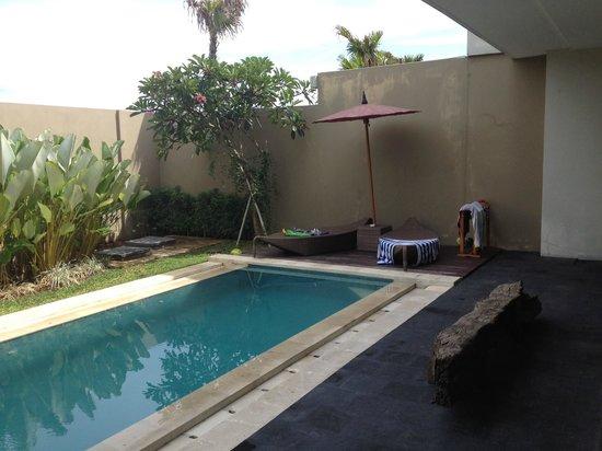 Danoya Villa - Private Luxury Residences: Pool side at villa 12