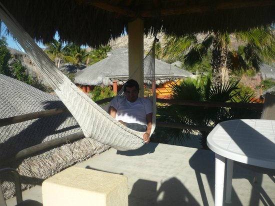 Cabo Pulmo Beach Resort: Hammock on our private deck above unit