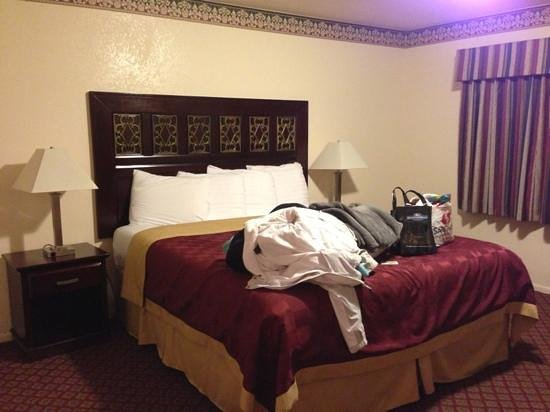 Sea Breeze Inn: Bed rm. 115