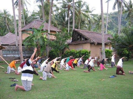 Gedong Gandhi Ashram: daily yoga
