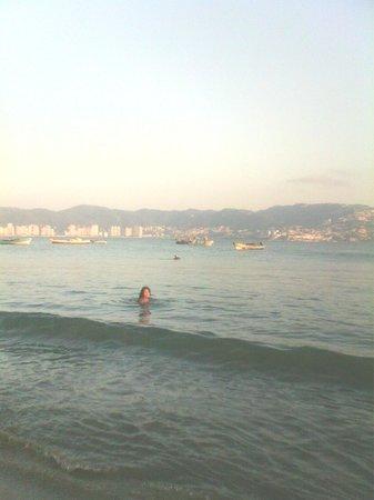 Un chapuzon en playa Tamarindos