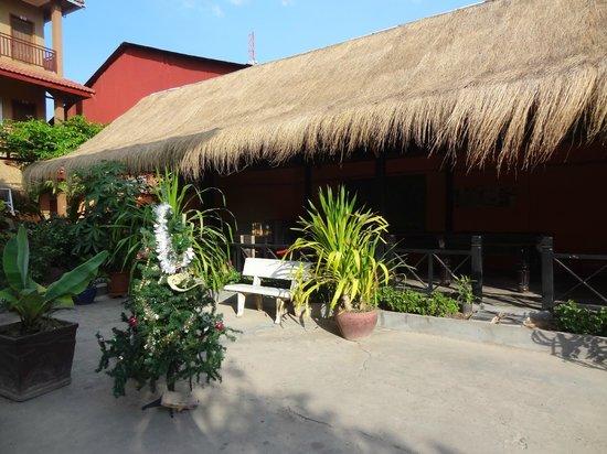 Angkor Secret Garden Hotel: The dining area