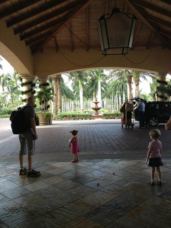 The Ritz-Carlton Golf Resort, Naples: Entrance