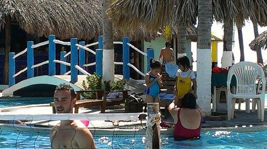 Bahia del Sol Hotel: Pool area