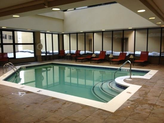 The Elevation Hotel & Spa: pool area