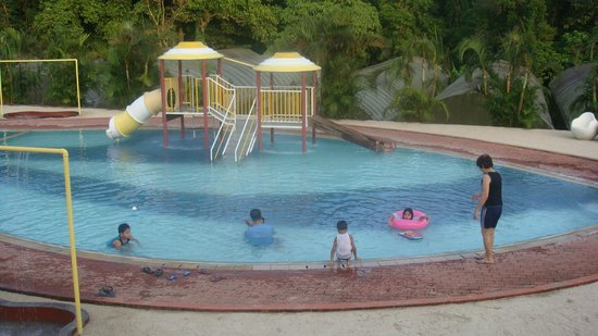Chateau Royale Hotel Resort and Spa: kids love it