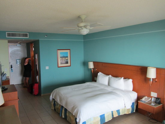 Hilton Ponce Golf & Casino Resort: King Suite Room in Executive Tower