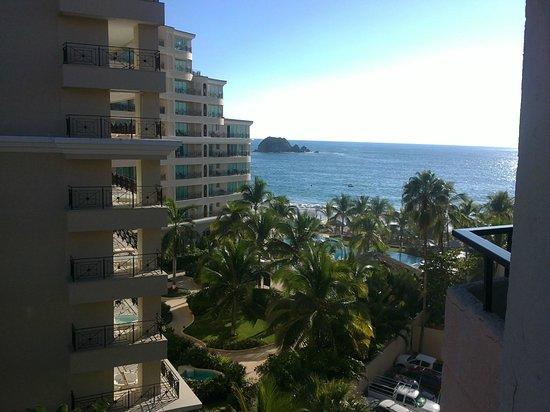 Hotel Fontan Ixtapa: Vista hacia el mar desde la habitacion