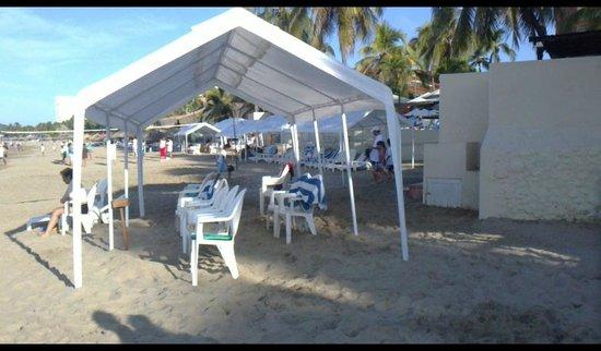 Hotel Fontan Ixtapa: Mugrosos techos