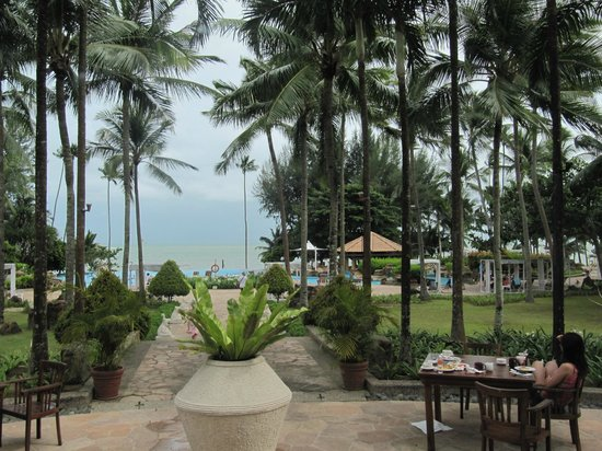 Nirwana Gardens - Nirwana Resort Hotel: View from breakfast restaurant