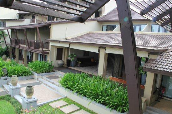 Impiana Resort Chaweng Noi: inside the resort
