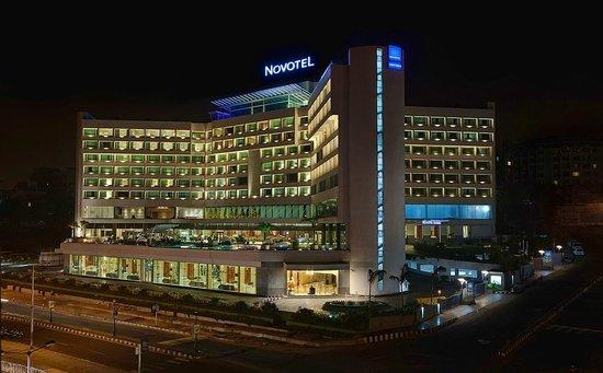 Novotel Visakhapatnam Varun Beach: Hotel Facade