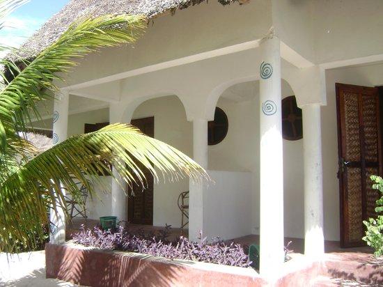 The Oasis Beach Inn: Bungalow sulla spiaggia