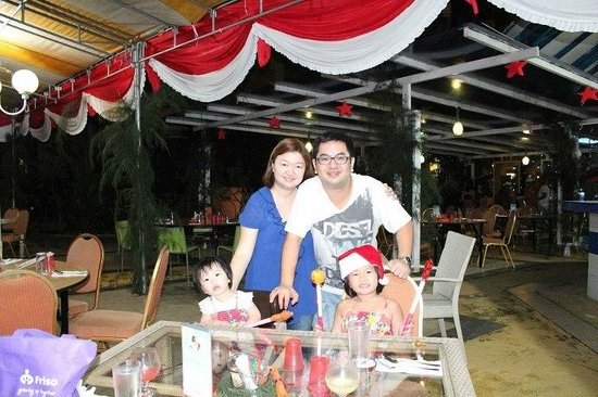 HARRIS Resort Batam Waterfront: Christmas Dinner Celebration