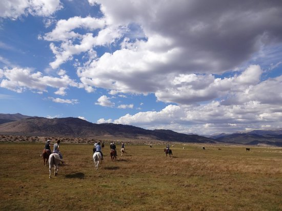 Hunewill Guest Ranch: The beautiful expansive sky