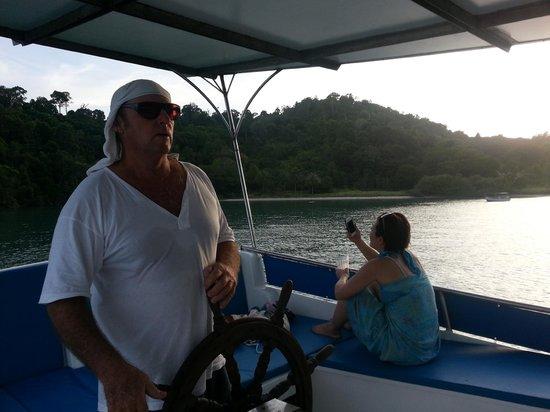 Hallelujah Langkawi Cruises: キャプテン ヒューゴはジェントルでたくさんのウィズダムに満ちていた,,,