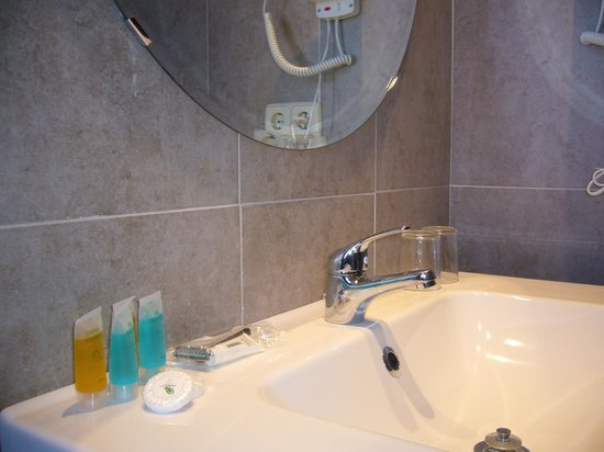 Hotel Gran Batalla: Baño