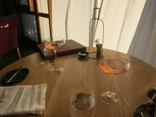 The Tasting Room : Arrival drinks & table