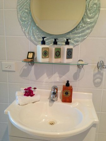 Ceespray on Owen: King Suite toiletry