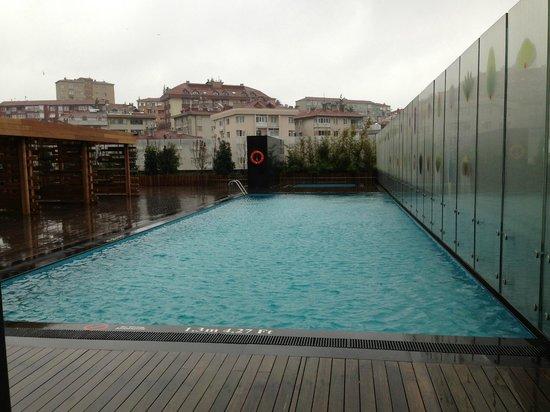 Le Meridien Hotel: Outdoor Pool