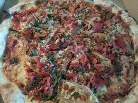 Slice Pizzeria: Supreme