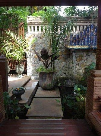 ذا باراي فيلا باي ساواسدي فيليدج: restaurant 