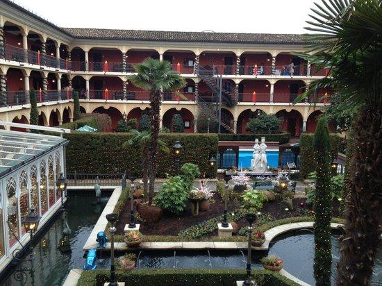 "Hotel ""El Andaluz"" Europa-Park: patio exterieur"