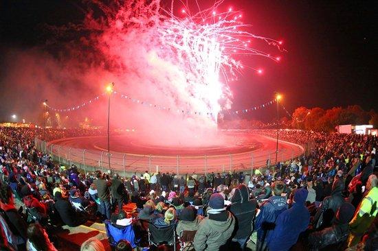Ipswich, UK: Foxhall Fireworks