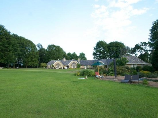 Moorcroft Manor with lawn