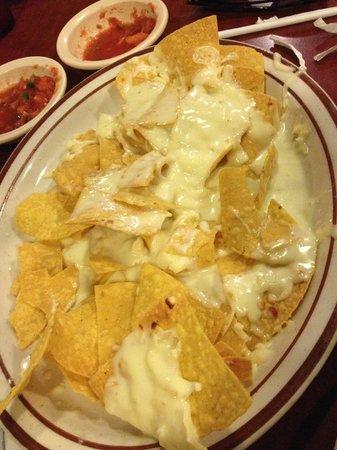 Los Potrillos: Cheese Nachos!